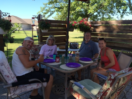 Breakfast in Mudis & Shirl's backyard with Jamie & Sheri on a beautiful Sunday morning  :)